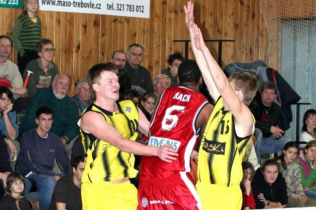 Basketbalisté Nymburka a Sadské se dnes postaví proti sobě. Kdo se stane mistrem okresu?