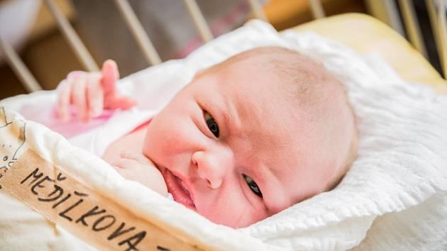Beáta Mědílková, Vrbčany. Narodila se 5. března 2020 v 12.00 hodin v Nymburce. Vážila 4 080 g a měřil 50 cm. Na dívku se těšila maminka Tereza, tatínek Stanislav a bratr David.