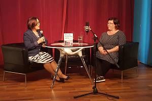 Dietoložka Cajthamlová přednášela v Hálkově divadle v Nymburce.