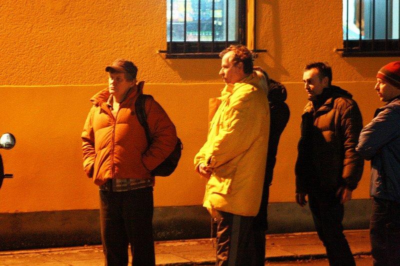 Karel Roden ve žluté bundě