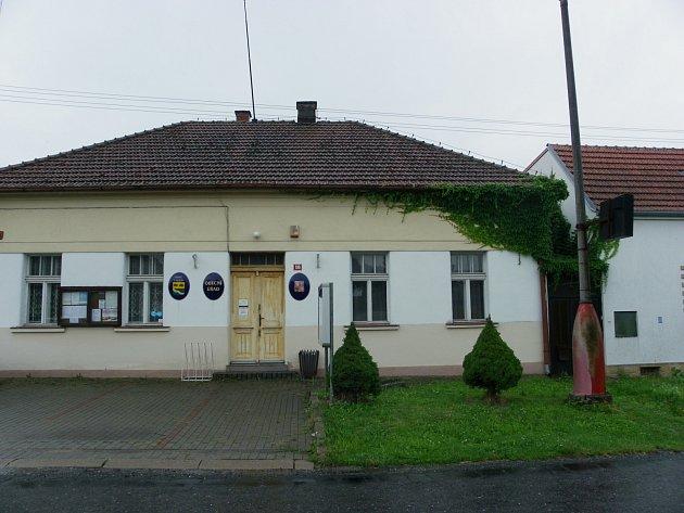 Budova Obecního úřadu ve Chlebích