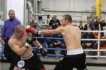 Poděbradský boxer Martin Vinš si to v ringu rozdal s mistrem Evropy Lukášem Konečným