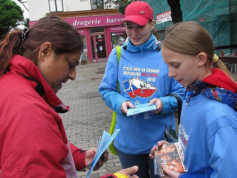 Do Poděbrad vyrazili protidrogoví aktivisté