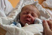 O JAKOUBKOVI SE VĚDĚLO. Jakuba LAJNERA přinesl čáp 2. listopadu 2015 v 17.05 hodin. Nesl miminko s mírami 3 130 g a 50 cm. Svého prvního potomka si odvezli rodiče Andrea a Jaroslav do Lysé.