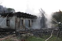 Požár objektu v Žehuňské oboře způsobil škodu za čtyři miliony.