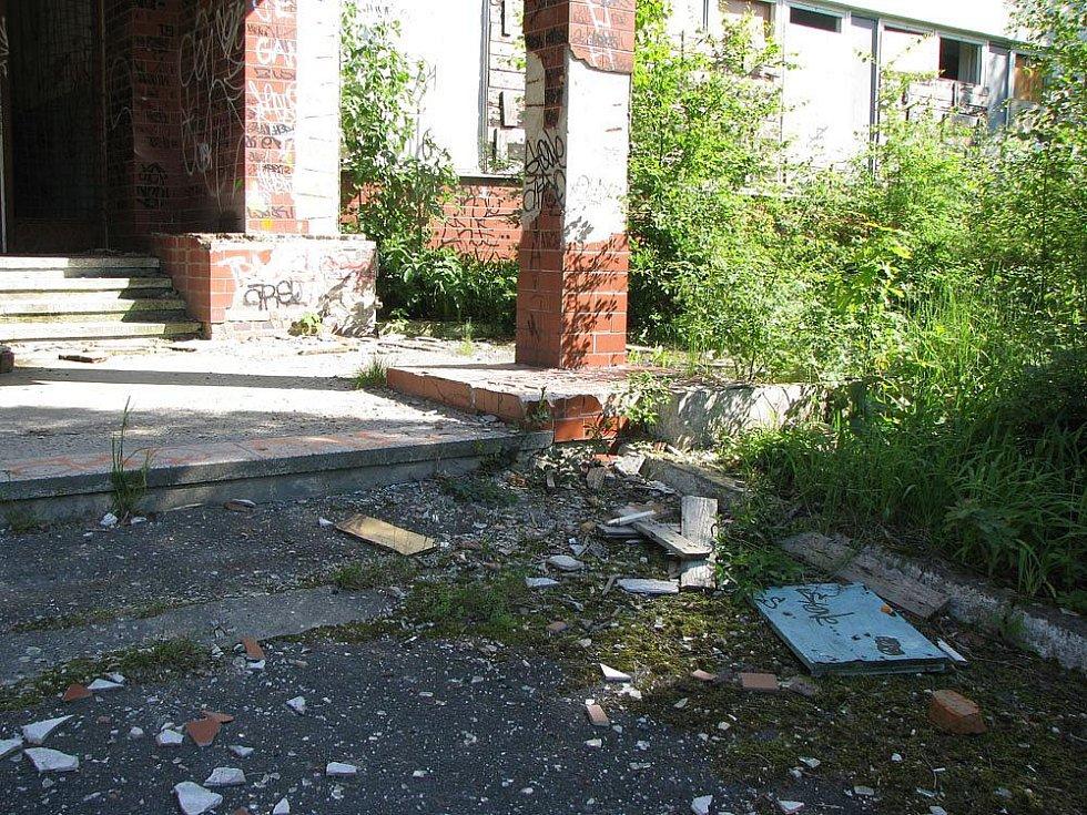 Tak vypadá nyní komplex bývalé ruské školy v Milovicích.