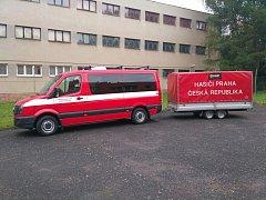Devět pražských hasičů odjelo na cvičení MOLDEX 2017.