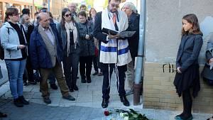 První kameny zmizelých byly odhaleny v Nymburce naproti Hálkovu divadlu. Modlitbu a zamyšlení nad tragickými osudy židovských rodin za holokaustu přidal rabín David Maxa.