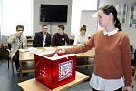 Na Hotelové škole v Poděbradech se v úterý a středu konají Studentské volby, v nichž studenti vybírají ve druhém kole prezidenta.