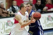 Z basketbalového utkání Mattoni NBL Nymburk - Prostějov.