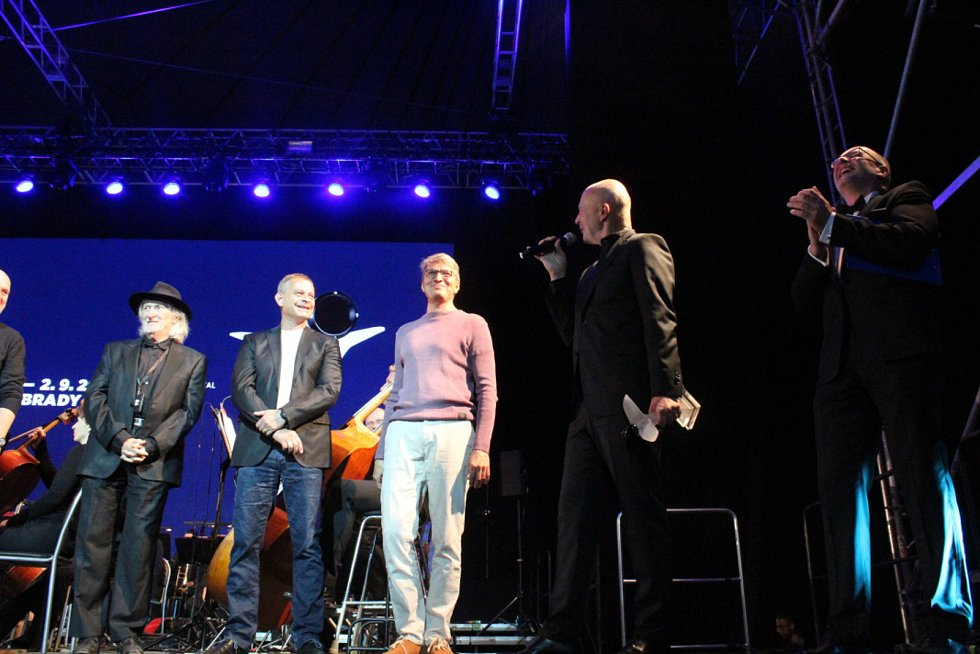 Páteční večer večer filmovým melodiím Ondřeje Soukupa.