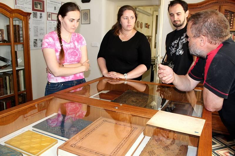 Do Muzea knihařství zavítaly ročně spousty turistů.