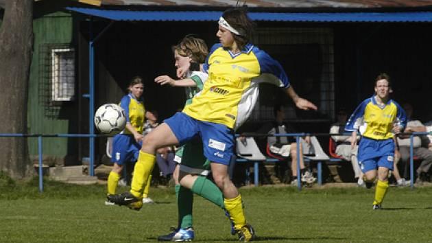 Fotbalistky Staré Lysé můžou slavit postup.