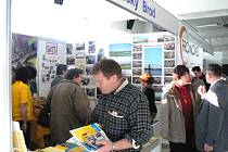 V Lysé nad Labem začaly výstavy Regiony a Stavitel.