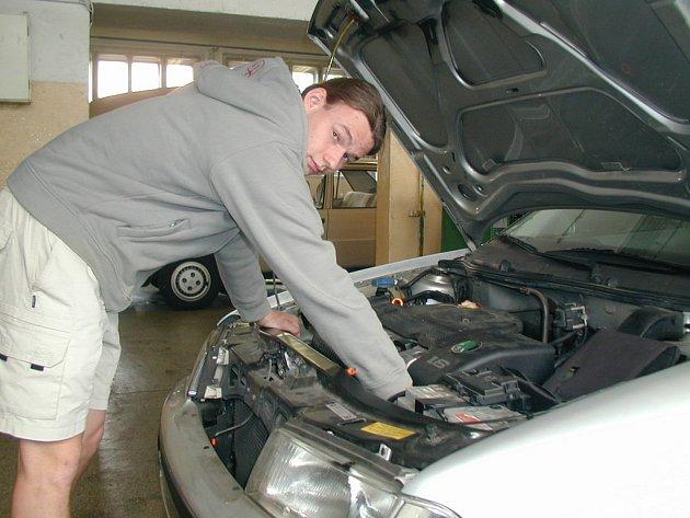 Loni skončil mladý automechanik z nymburského učiliště Jan Petružálek (na snímku) na čtvrtém místě.