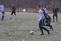 Z fotbalového utkání kolínského zimního turnaje Poděbrady - Polepy (4:4, na penalty 5:4)