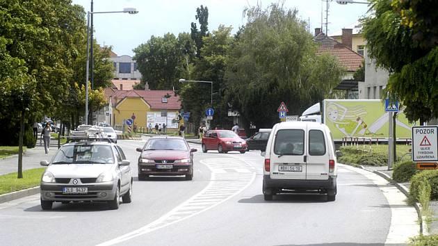 Boleslavská ulice má být kvůli frézování vozovky až po křižovatku s ulicí Zbožská uzavřena.