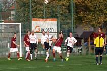 Fotbalisté Poděbrad nezvládli utkání ve Velimi, kde prohráli jasně 1:4.
