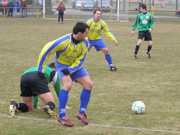 Z fotbalového utkání I.B třídy Sokoleč - Ratboř (4:1)