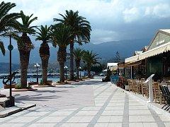 Na Krétě se dá střídat koupání v teplém a čistém moři s návštěvami památek.