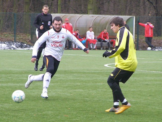 Z fotbalového utkání kolínského turnaje Poděbrady - Velim (0:3)