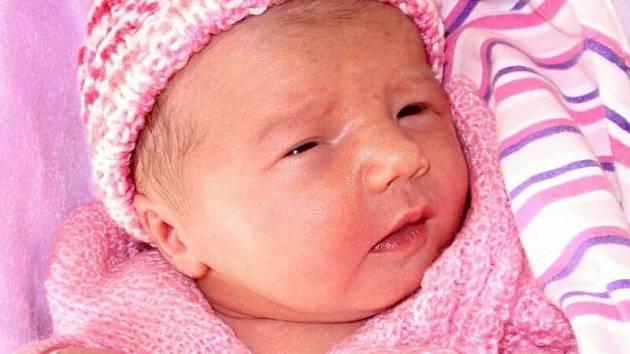 Nikola Wittnerová, Olomouc, narozena 18. května v Olomouci, míra 49 cm, váha 3020 g