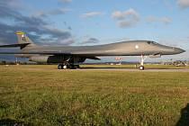 Bombardér B-1