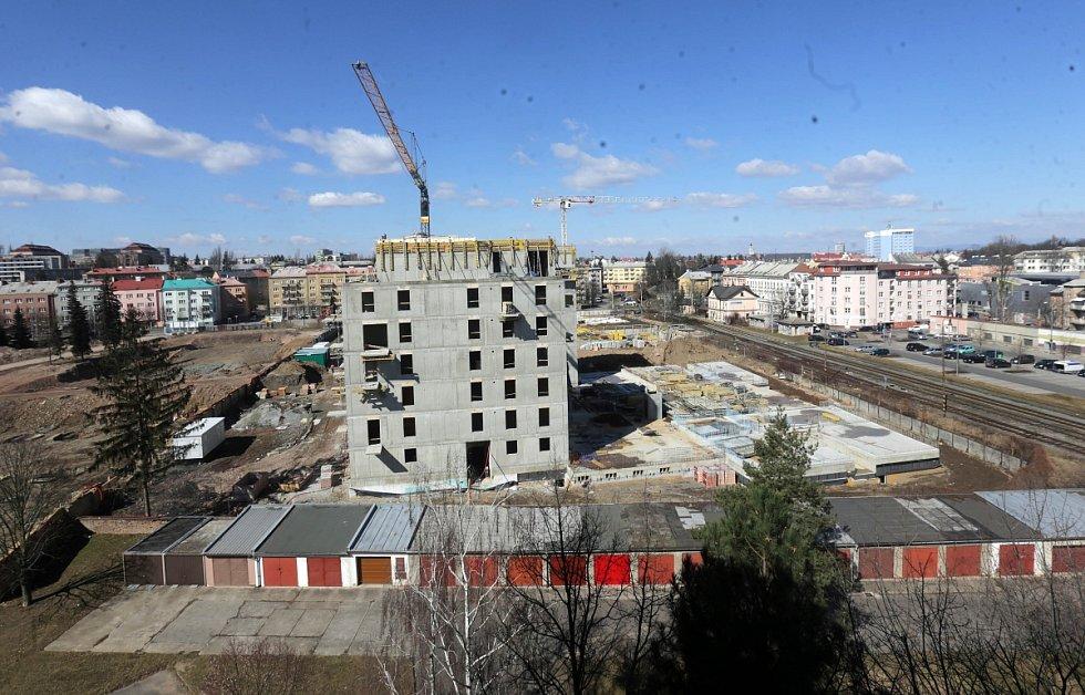 Březen 2018 - výstavba bytů u nádraží Olomouc - Nová Ulice v Olomouci (Wolkerova ulice)