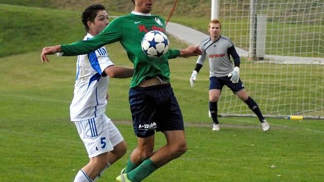 Dolany (v bílém) proti juniorce HFK Olomouc