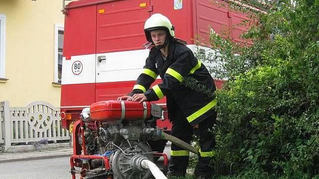 Dobrovolní hasiči z Nové Hradečné