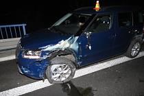 Srážka škodovky a náklaďáku na vjezdu na R46 u Olšan