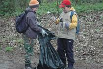 Skauti vyrazili na tradiční úklid přírody.