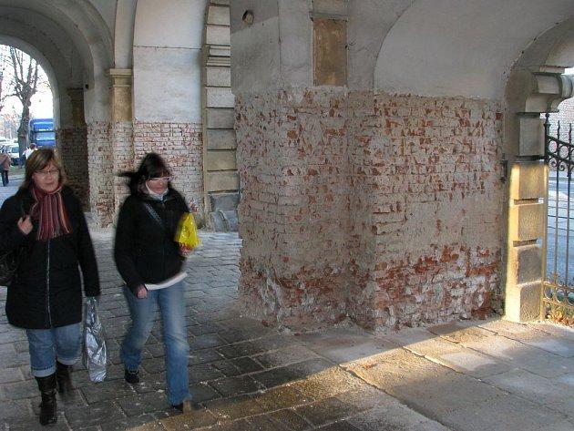 Odkryté zdivo Terezské brány