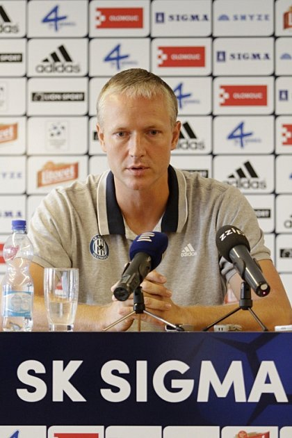 Klub SK Sigma Olomouc pořádal tiskovou konferenci před začátkem sezony. Václav Jílek, trenér Sigmy
