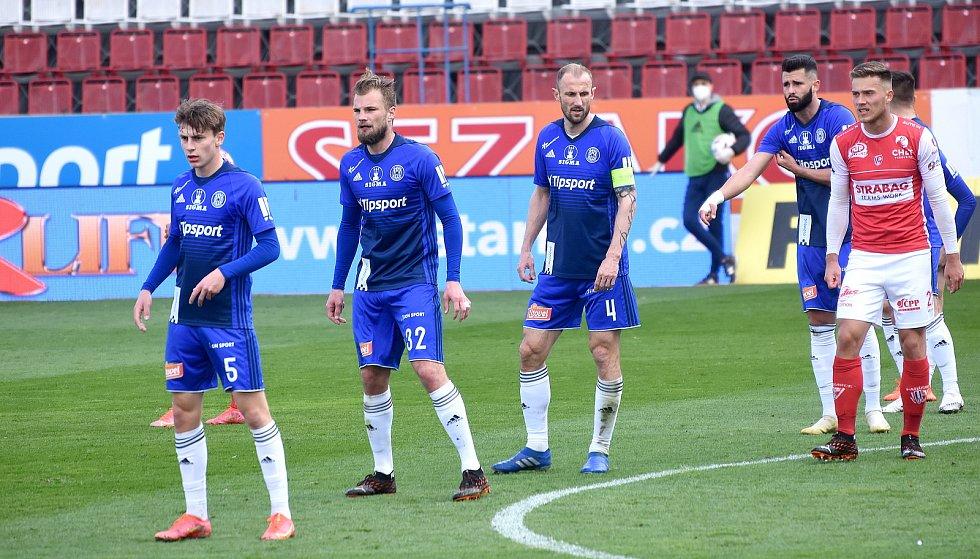SK Sigma Olomouc - FK Pardubice 0:1 (0:0)Kryštof Daněk, Vít Beneš, Roman Hubník