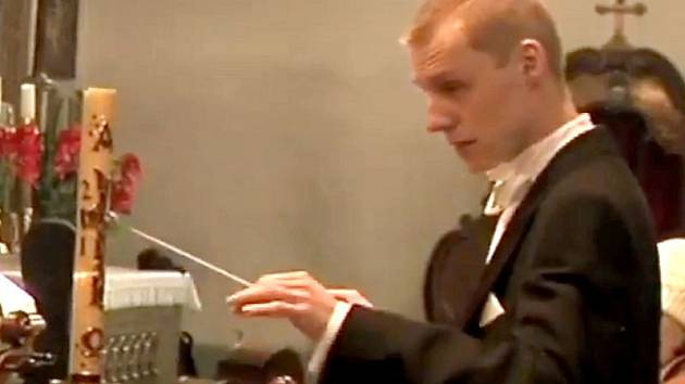 Jonáš Harman diriguje Komorní orchestr Vejvanovský. Ilustrační foto