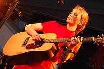 Irská písničkářka Rebecca Collins