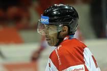 Zbyněk Irgl v zápase Olomouce se Zlínem