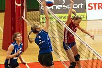 Olomoucké volejbalistky (v červeném) proti Brnu