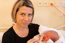 Alice Bezděková, Velký Týnec  narozena 26. listopadu v Olomouci  míra 51 cm, váha 3260 g