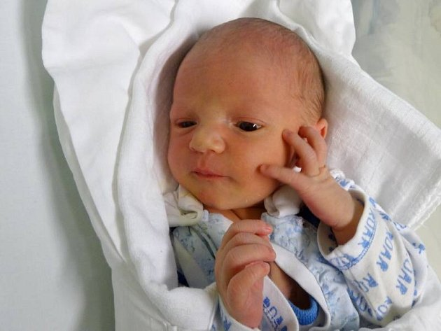 Antonín Mlejnek, Mohelnice, narozen 26. května v Olomouci, míra 50 cm, váha 3300 g.