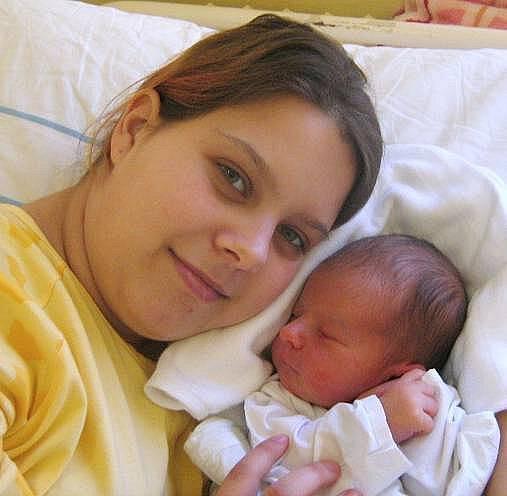 Lukáš Jančík, Olomouc, narozen 5. dubna v Olomouci, míra 53 cm, váha 4070 g