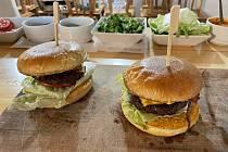 Burgermánie U Jadrníčků v Náměšti na Hané, 25. února 2021