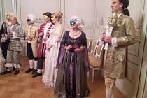 Pátek, 2. listopadu, Prohlídka zámku v Náměšti v rámci upírského představení