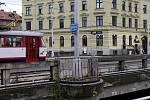 Most přes Moravu na Masarykově třídě v Olomouci