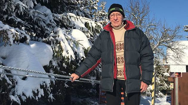 e52479d5974 Krásná zima! Vlekař si v 84 letech užívá sezonu v Karlově a vzpomíná