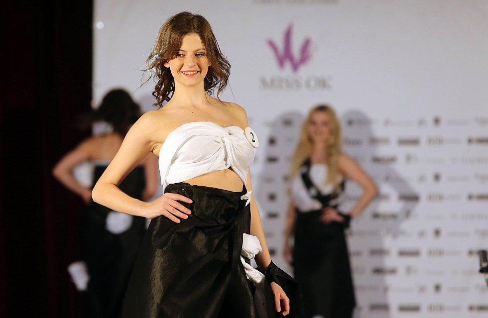 Pavlína Pučíková. Semifinále 6.ročníku soutěže Miss OK ve Velké Bystřici.