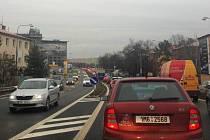 Kolony na prutahu Olomoucí kvůli uzavírce Wolkerovy ulice