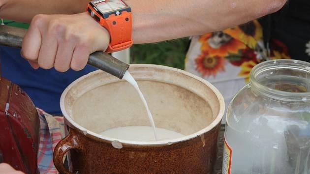 V sobotu uspořádali v Hanáckém skanzenu v Příkazech ukázky domácího vaření piva.