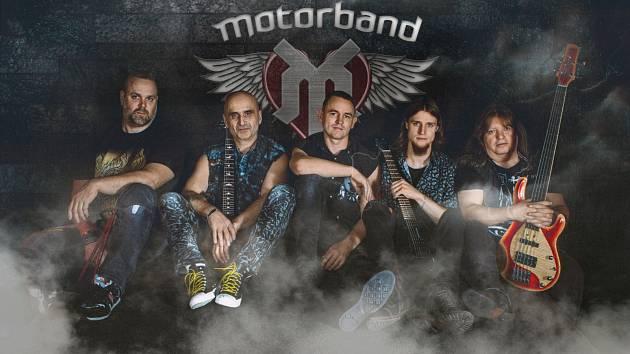 Skupina Motorband vystoupí v pátek 6. března v olomouckém Sklubu.